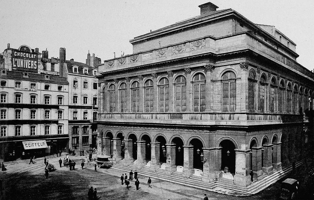 1024px-Lyon_-_Grand_Théâtre